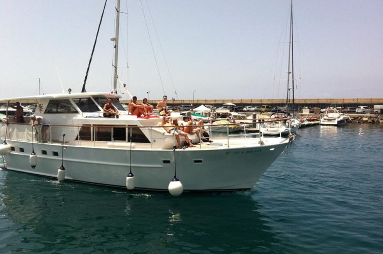 PRIVATE CHARTER 3 HOURS